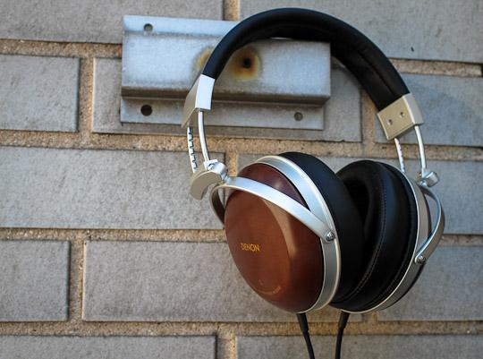 Os nossos prazeres solitários... Denon-ah-d5000-wood-headphones-14